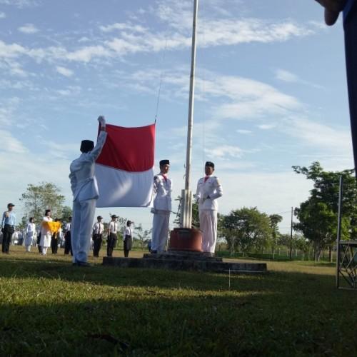 Video Upacara Bendera Hari Proklamasi Kemerdekaan RI Ke-71 SMA Negeri 3 Banjarbaru